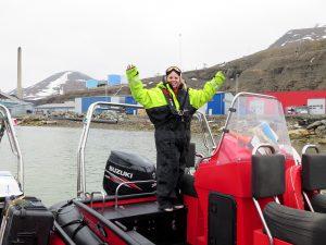 Arktický motorový čln na Špicbergoch