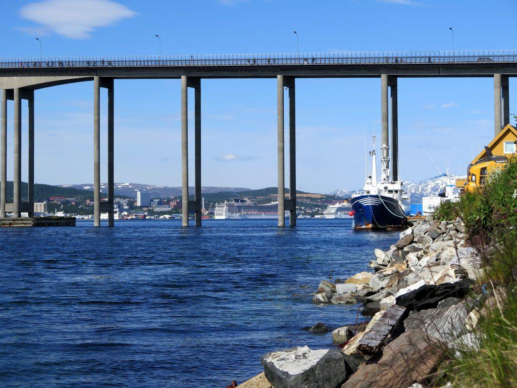 Most v nórskom Tromse.