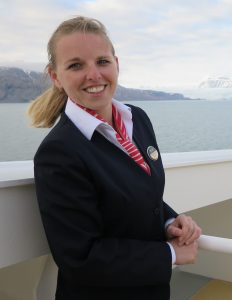 Uniformy lodnej spoločnosti- zo života na lodi