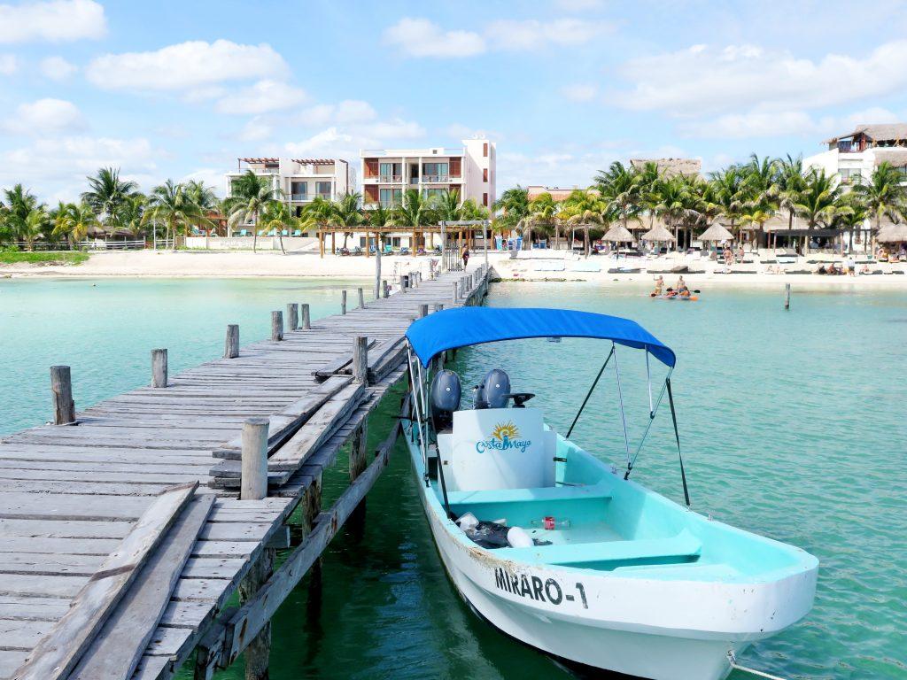 Pláž Mahahual Costa Maya