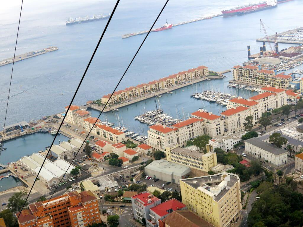 Výhľad na Gibraltár z lanovky - čo vidieť na Gibraltári