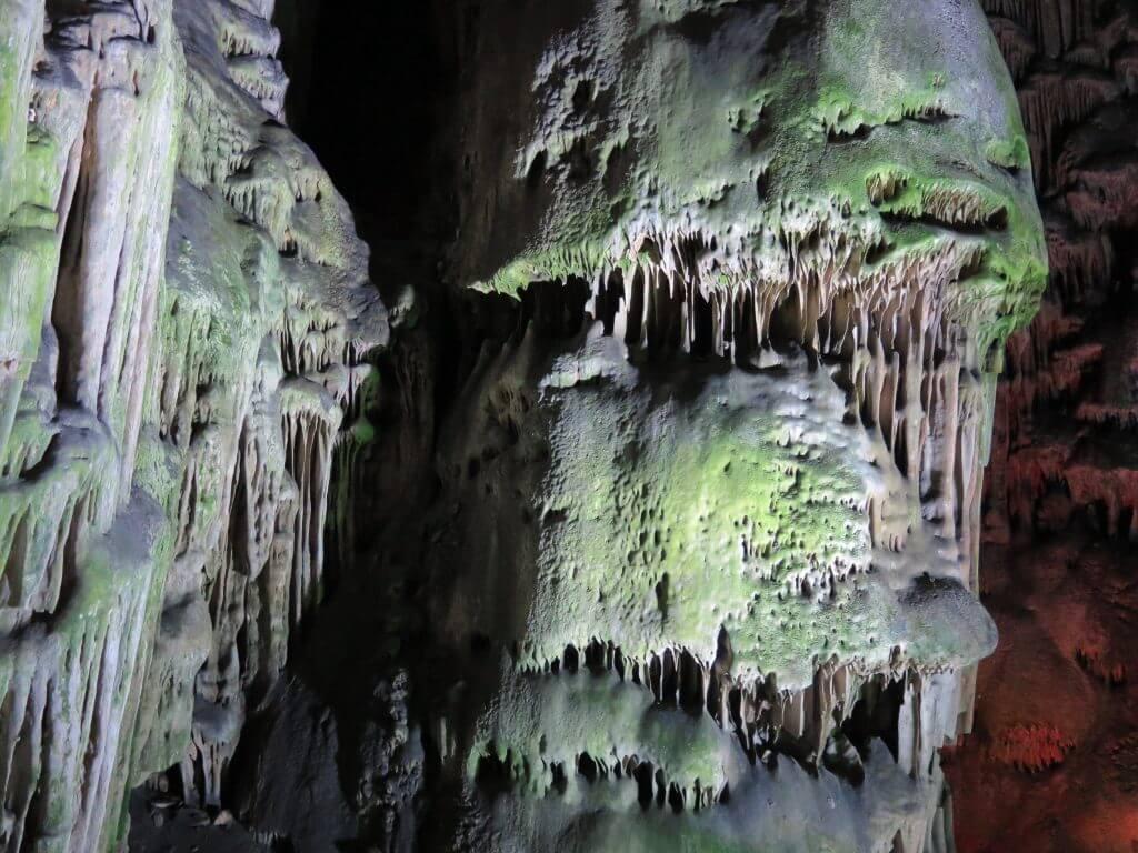 Kvaple v St, Michael's Cave - čo vidieť na Gibraltári