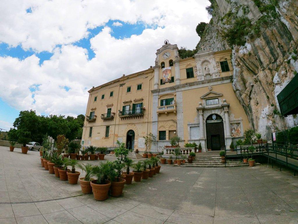 Kostol Sv. Rozálie na Monte Pellegrino na Sicílii