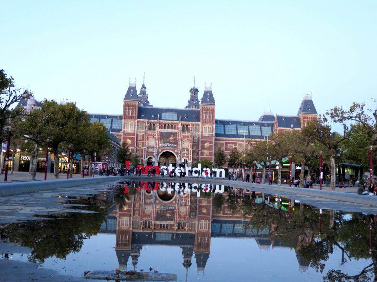 Amsterdam a 7 postrehov