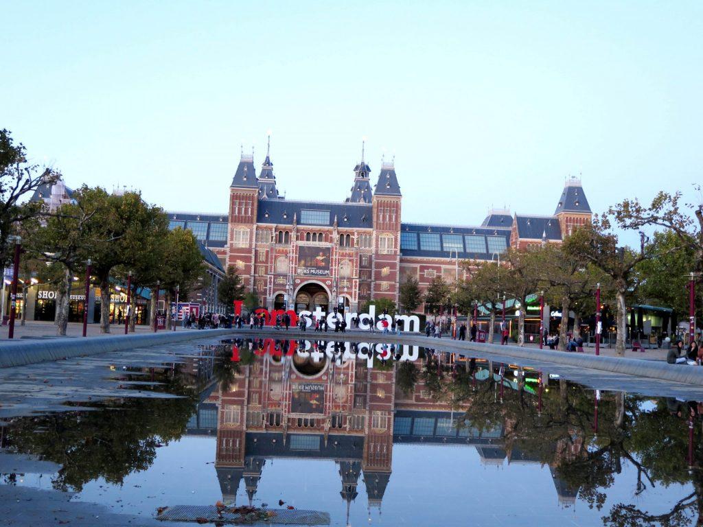 Amsterdam_a_7_postrehov_(2)(1)