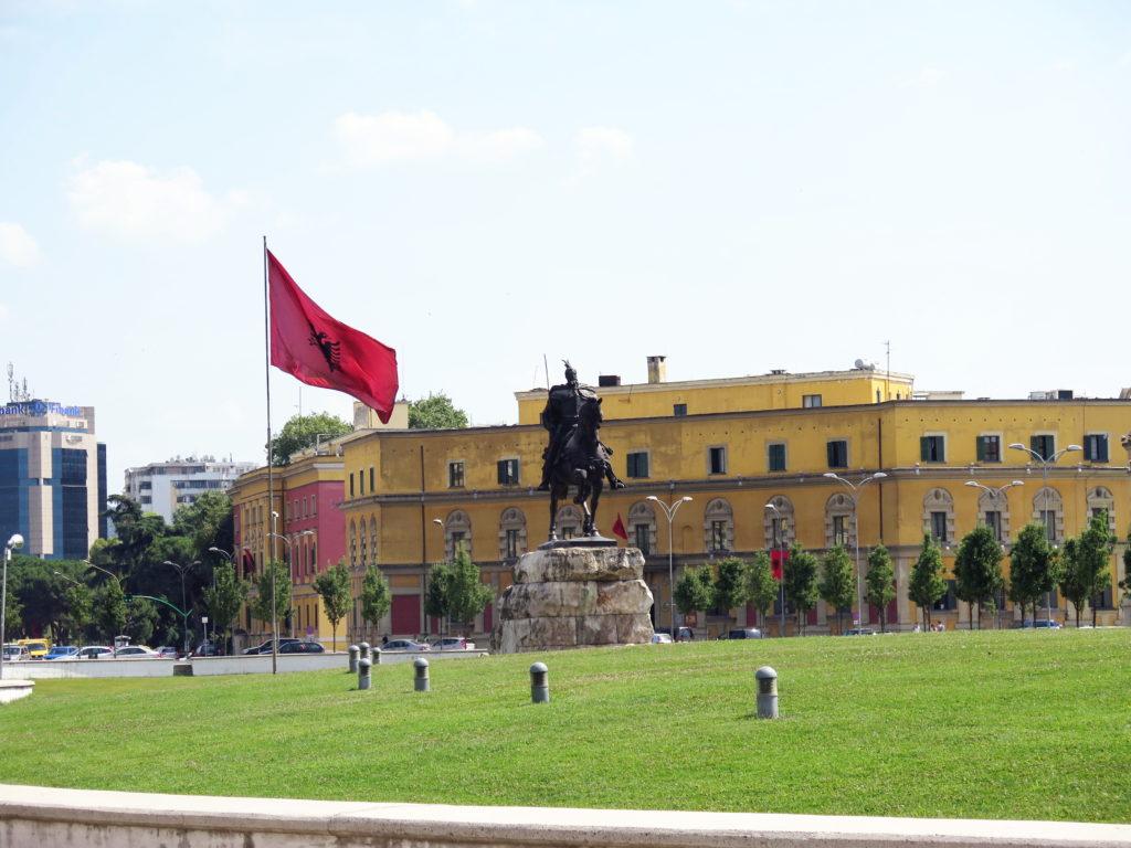 Nepoznaná a tajomná Tirana (4)